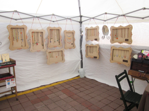 truejune-jewelry-display-for-market-booths-1